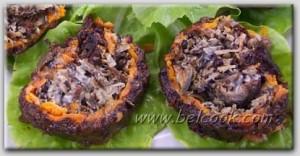 слоеный салат с черносливом и грибами