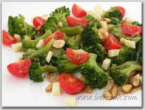 салат из брокколи с орехами