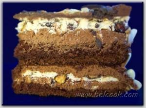 шоколадно-миндальный торт разрез